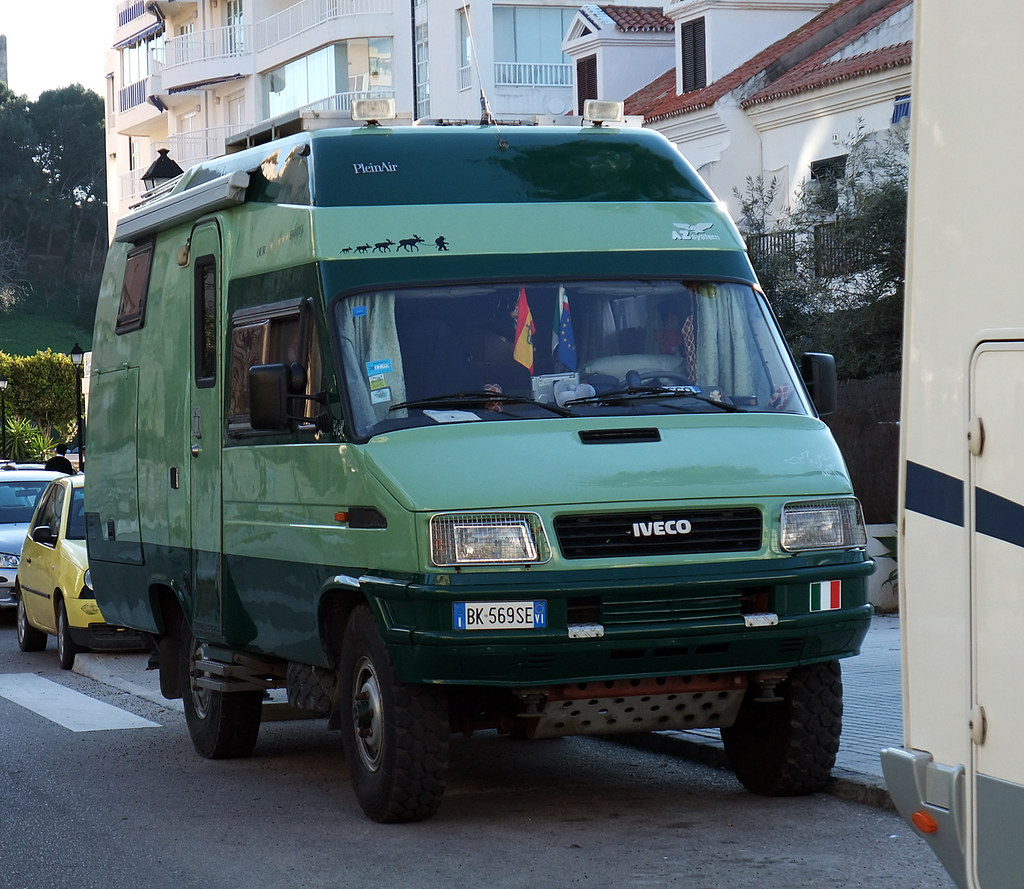 iveco daily 4x4 camper from italy yanfuano flickr. Black Bedroom Furniture Sets. Home Design Ideas