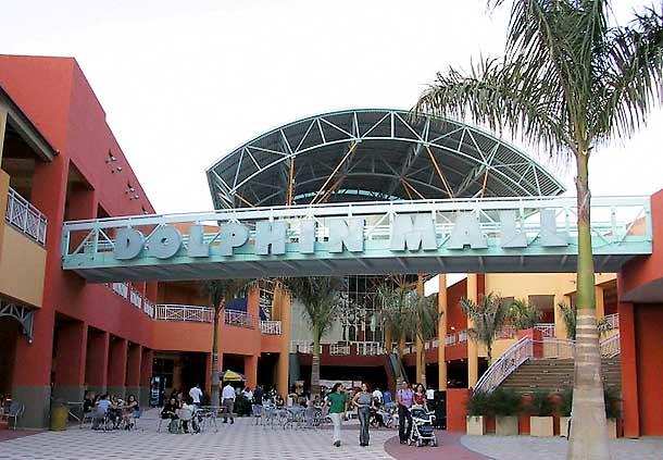 D B Dolphin Mall hotel cerca de dolphin...