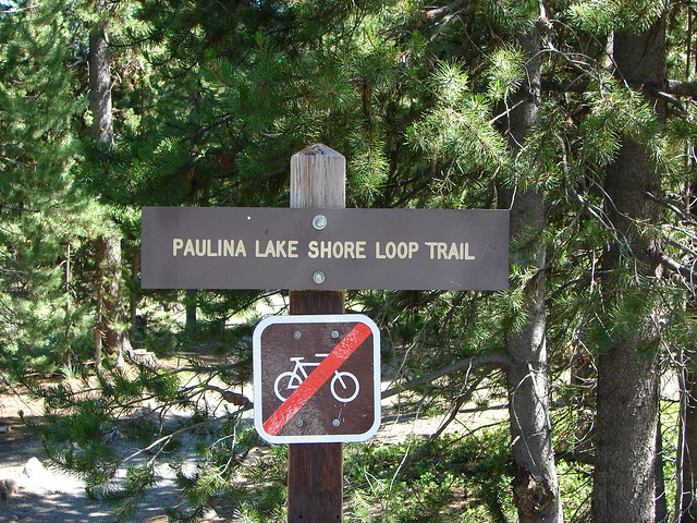 Trail sign for the Paulina Lake Shore Loop Trail