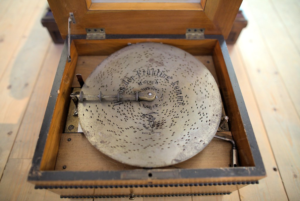 Music Box With Metal Disc Metal Disk Music Box | by