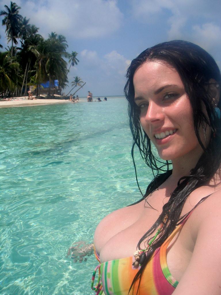Reny busty natural tits 1 2
