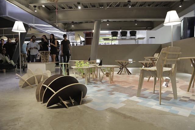 Subasta de muebles realizados por alumnos de dise o - Muebles de diseno industrial ...