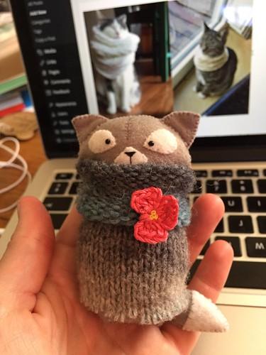 cat in cowl, by Amuru on Etsy