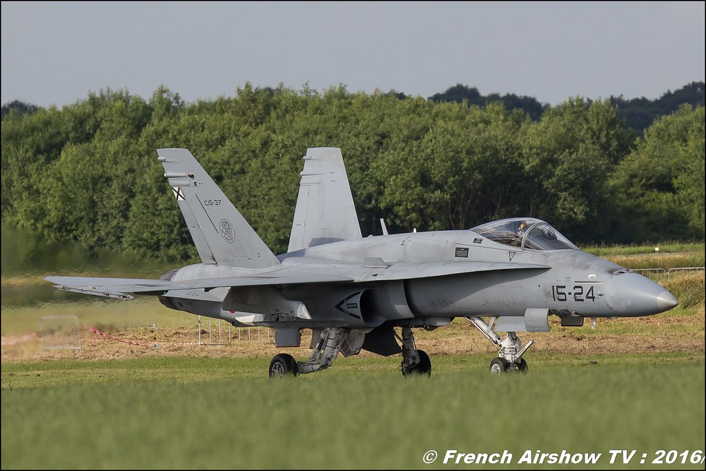 Spanish Air Force EF-18 Hornet , F18 Hornet solo display, Spain Air Force , Spanish Air Force Ef 18 Hornet , Belgian Air Force Days 2016 , BAF DAYS 2016 , Belgian Defence , Florennes Air Base , Canon lens , airshow 2016
