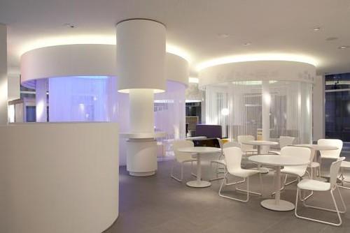 Dise o de interiores tienda oficina y sala de exposicion for Diseno interiores 3d