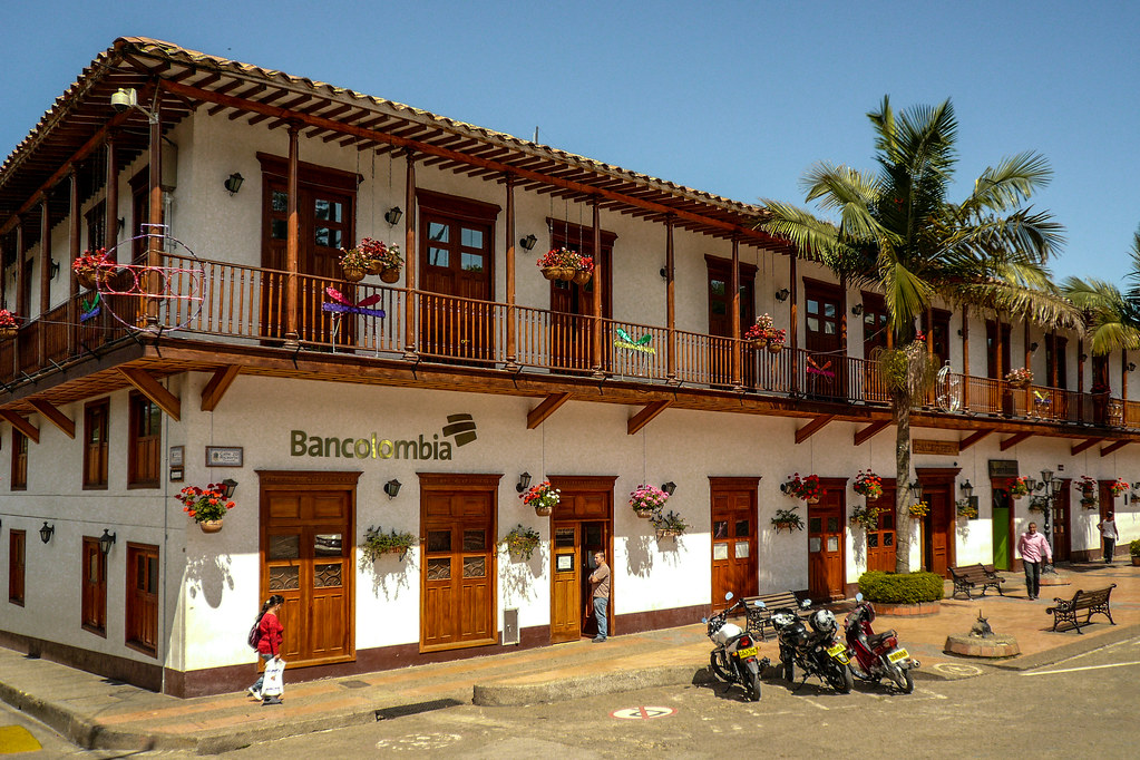 Conozca El Retiro, Antioquia: Gente con Madera