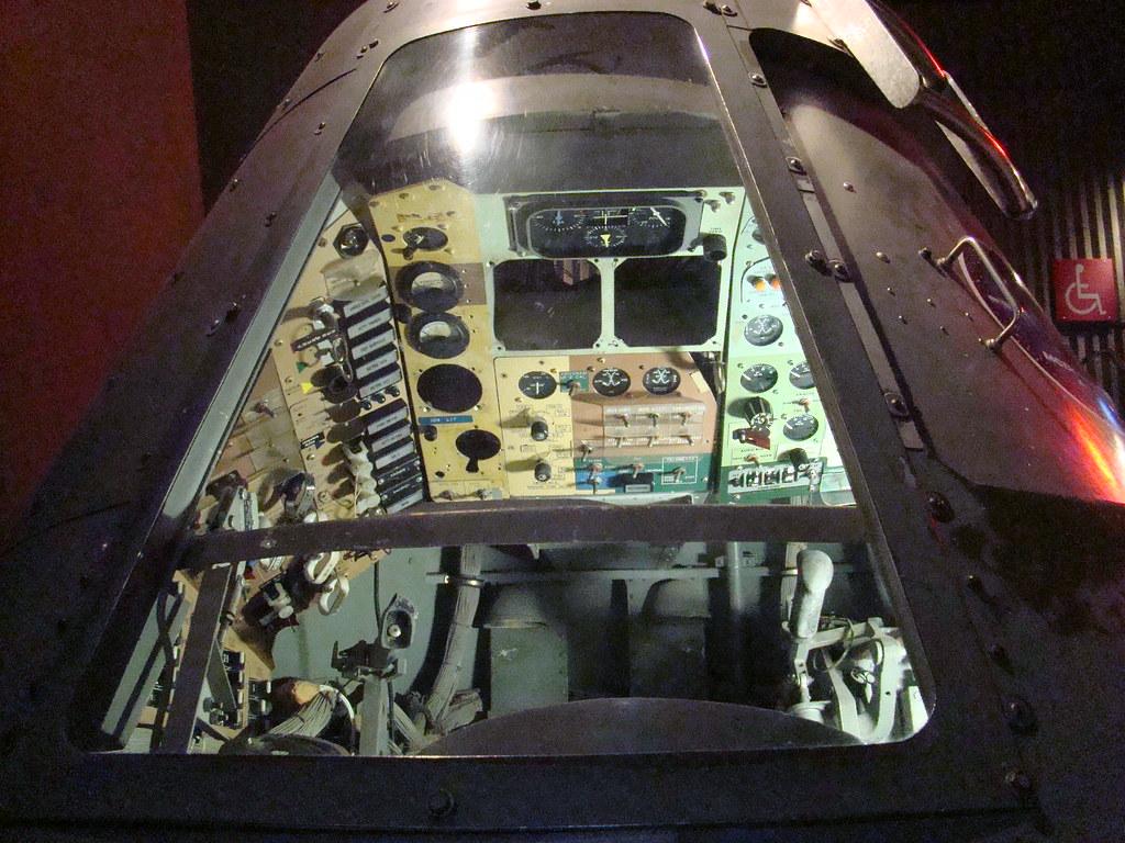 inside aquarius spacecraft - photo #34