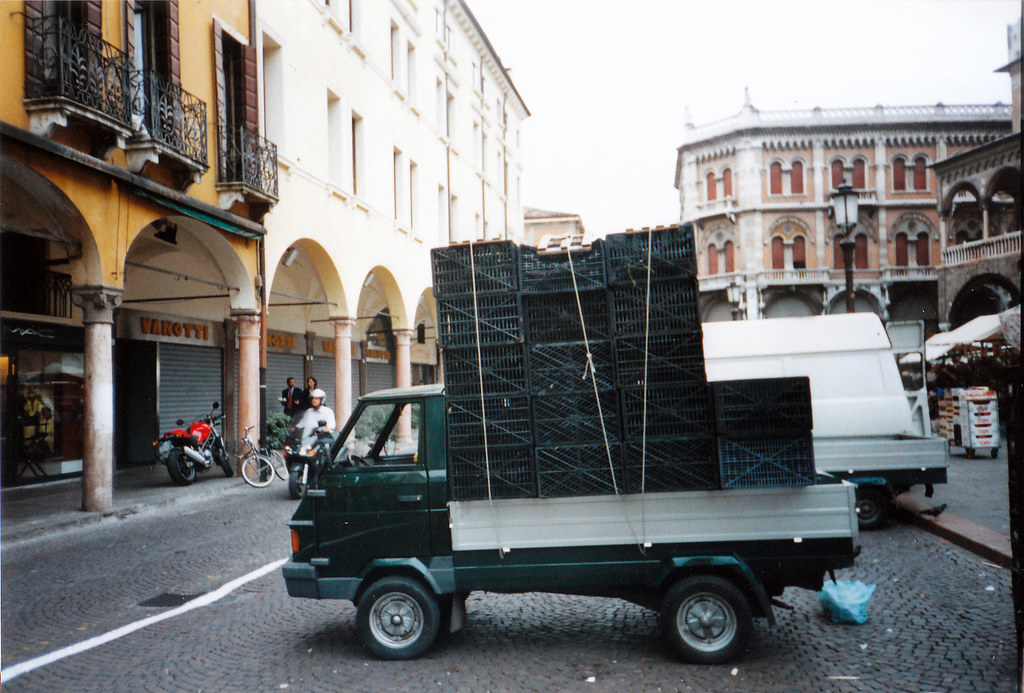 1998 piaggio ape poker | and you thought that piaggio apes o… | flickr