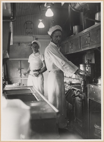 Kitchen and cooks dining car ambulance train  Title: Kitche…  Flickr