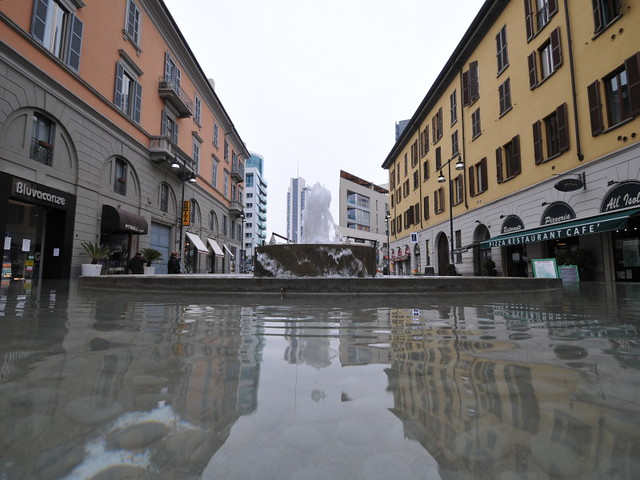 Milano corso como allagata flickr photo sharing for Corso stilista milano