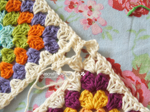 Crochet tutorial: joining granny squares 12 Flickr - Photo Sharing!