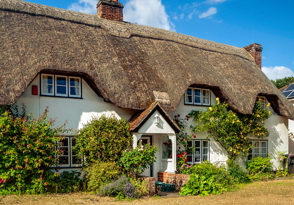 A thatched cottage in nether wallop hampshire anguskirk for Cheap holiday cottages uk