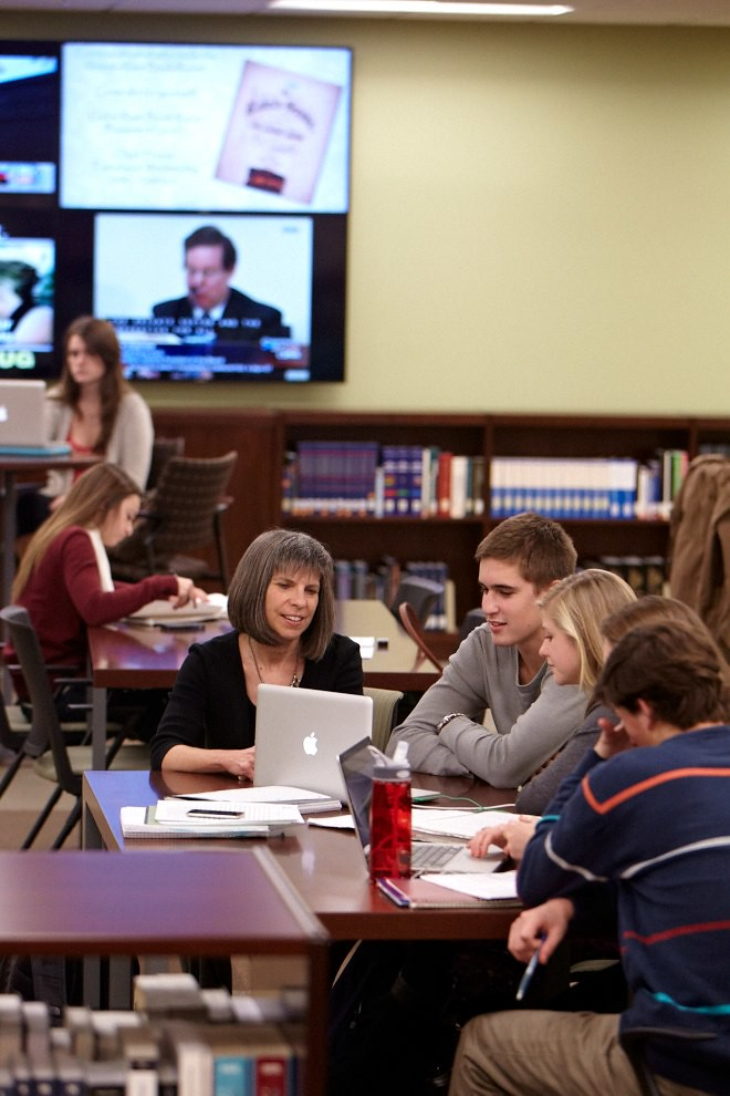 university of richmond black personals Student research whether it's in the lab, the art studio, or the archives, students are encouraged to get involved in undergraduate research as early as their first year on campus.