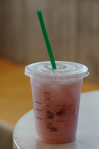 "Starbucks ""Pink Drink"" | Tall Strawberry Açai Refresher ..."
