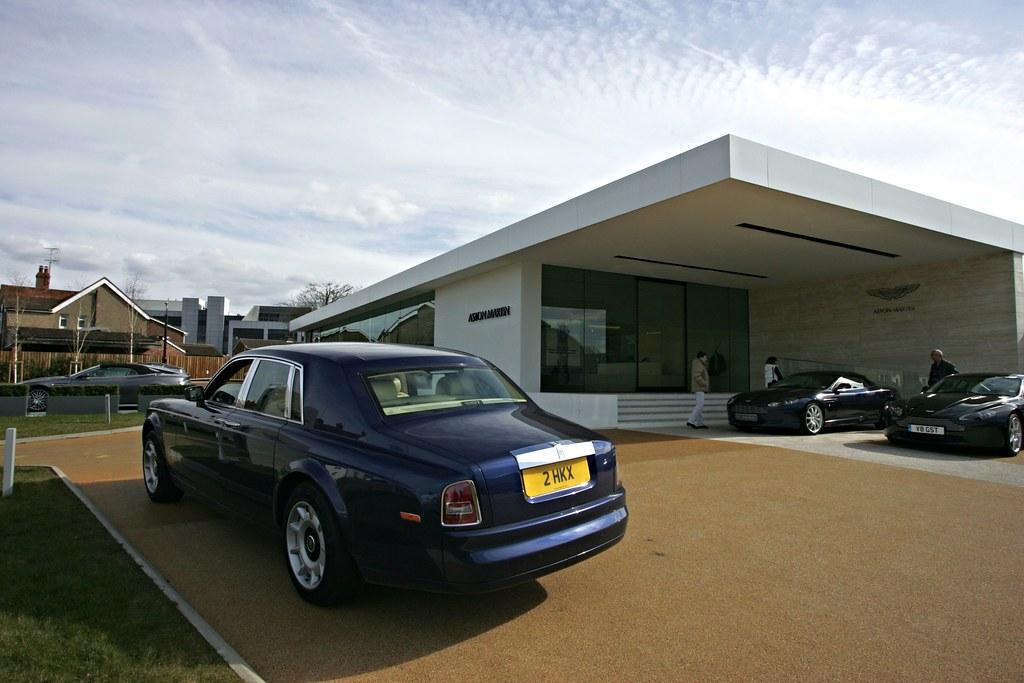 Rolls Royce Goodwood Phantom 2 Hkx At Aston Martin Newport Flickr