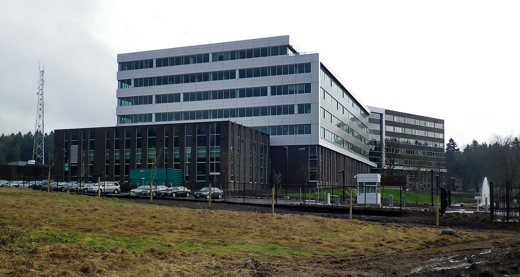 Sry13b30 rcmp 39 e 39 division headquarters surrey bc flickr for Porte hq surrey