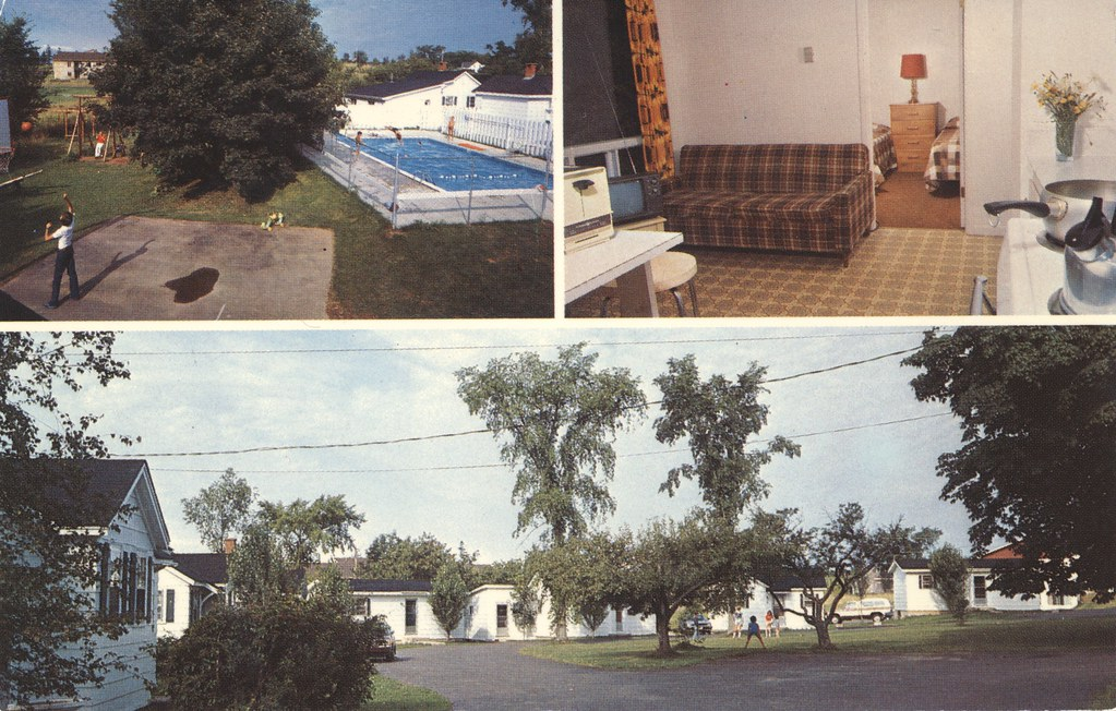 Roselawn Cottages & Motel - Wolfville, Nova Scotia