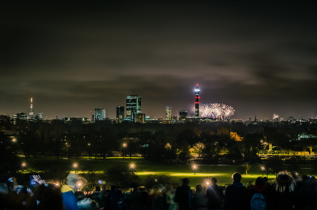 London NYE Fireworks   The view from Primrose Hill ...