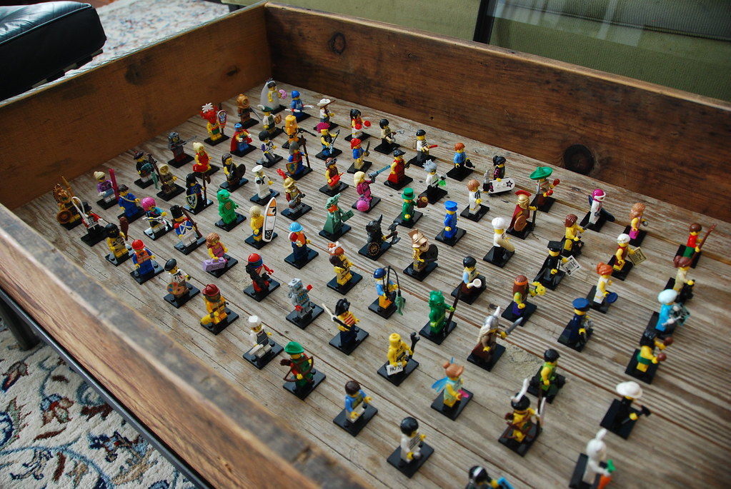 Coffee Table LEGO | LEGO minifigures lined up and on display… | Flickr