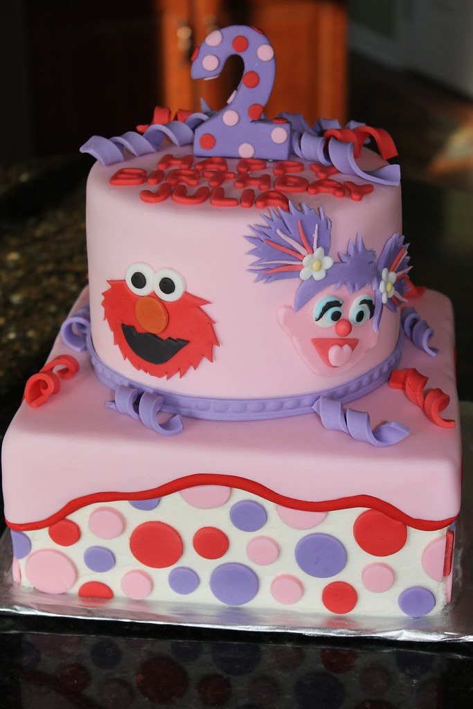 Julia S Abby And Elmo Cake Vanilla Cake With Vanilla