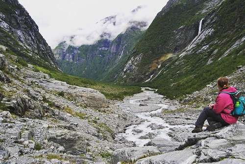 Not touched by humans, nature at her most beautiful 💙 -- 2016 Norway trip -- #hiking #valley #glacier #glaciervalley #naturelover #naturelovers #outdoors #nature #getoutside #mountains #mountainlove #mountain #thegreatoutdoors #norway #norge #w