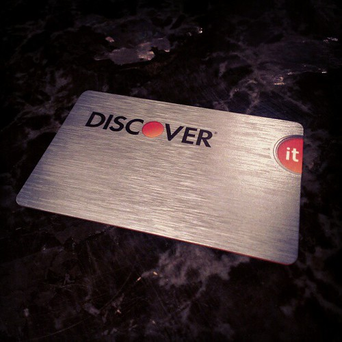 Finally, a camera-safe credit card. #discover #it