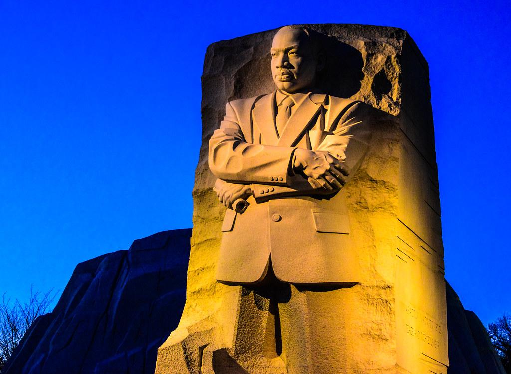 Martin Luther King Jr Memorial At Night In Washington Dc Flickr