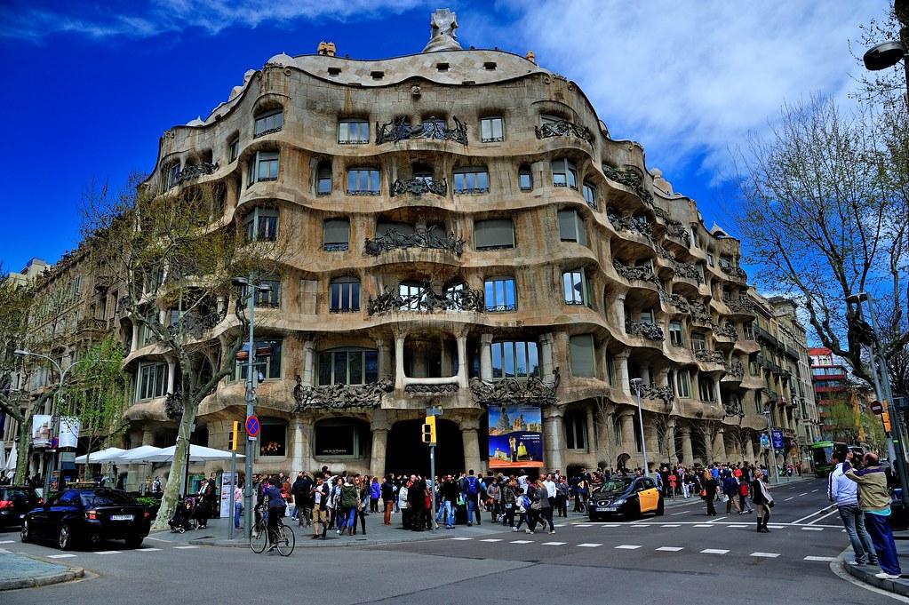 Casa mil la pedrera barcelona casa mil better known flickr - Casa mila la pedrera ...