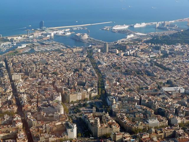 La ciudad de Barcelona a vista de helicóptero