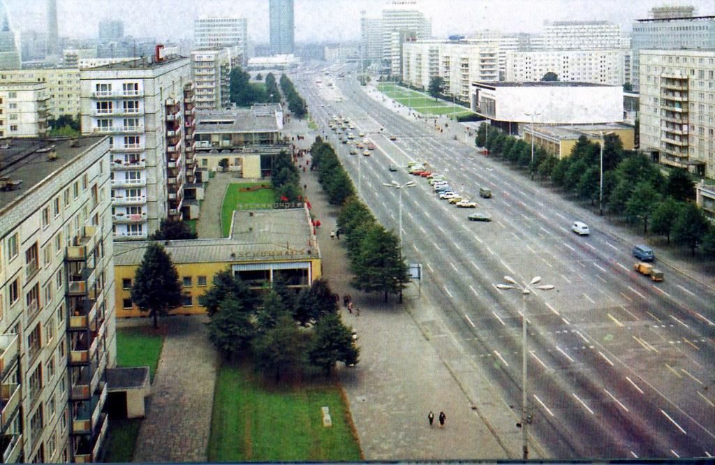 ddr berlin karl marx allee avenue karl marx berlin est flickr. Black Bedroom Furniture Sets. Home Design Ideas