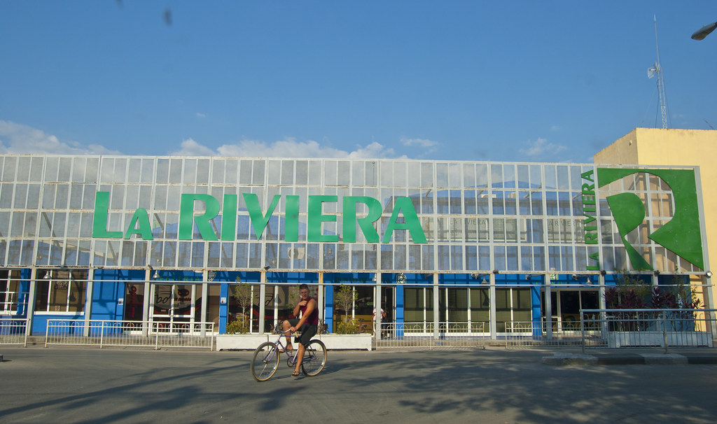 El centro comercial la riviera en el reparto tirzo d as - La illa centro comercial ...