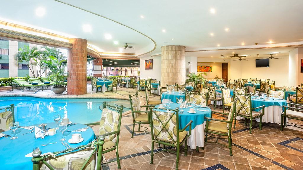 Restaurante y piscina hotel dann carlton cali for Alberca restaurante
