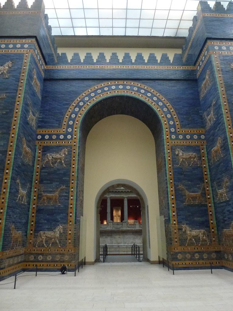 ishtar gate babylon pergamon reconstruction more info flickr
