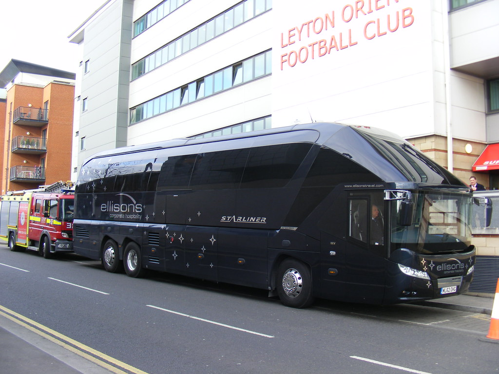 Ml62 Ohg Neoplan Starliner Ellison S Afc Bournemouth Te