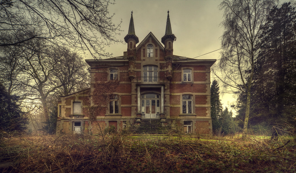 The lion school explore abandoned school in the woods h flickr - The modern apartment in the old school ...
