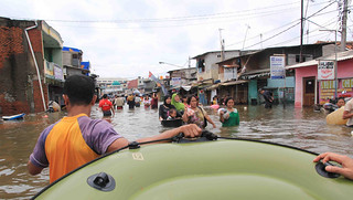 Lending a hand when it counts: helping our partners during the Jakarta floods | by East Asia & Pacific on the rise - Blog