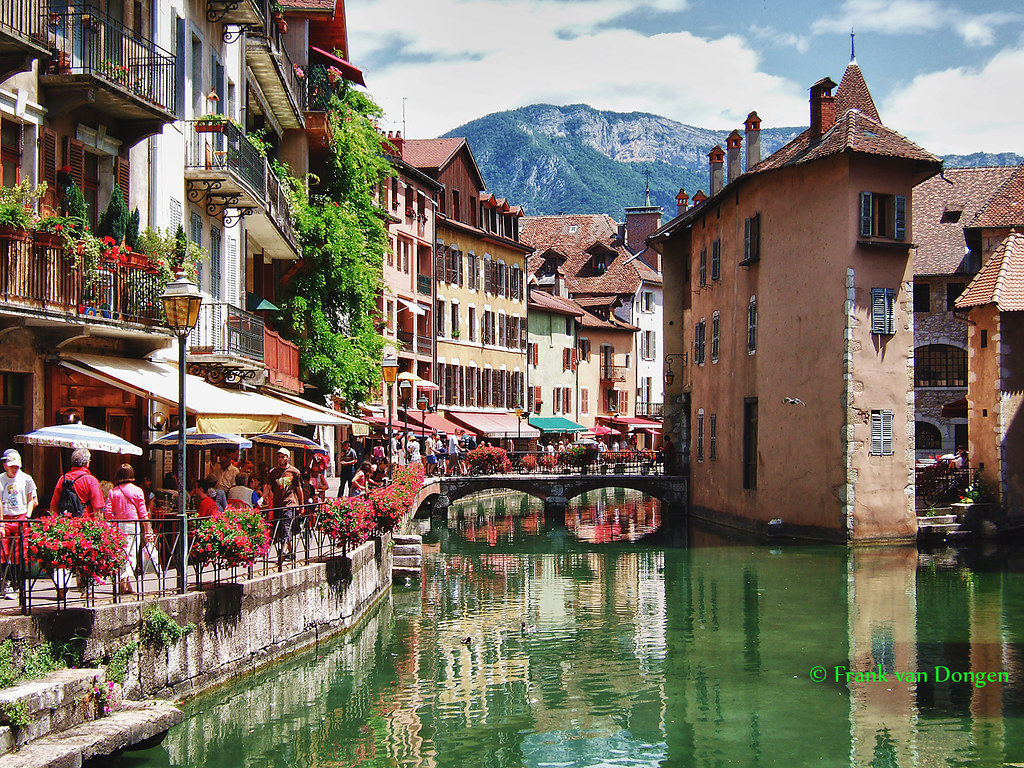 Annecy france backside of palais de l 39 isle this is a - Boutique free annecy ...