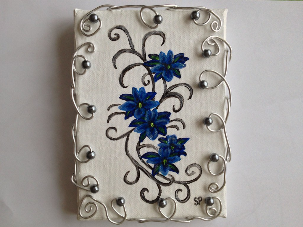 tableau fleurs bleues cadre bijoux perlés et alu peinture … | flickr