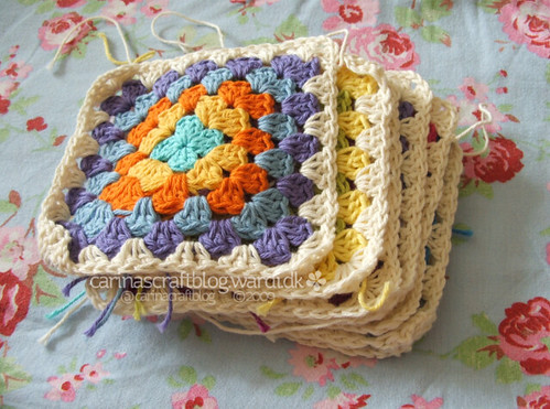 Crochet tutorial: joining granny squares 2 | by Carina » Polka & Bloom