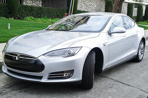 Tesla Model S | by shalf