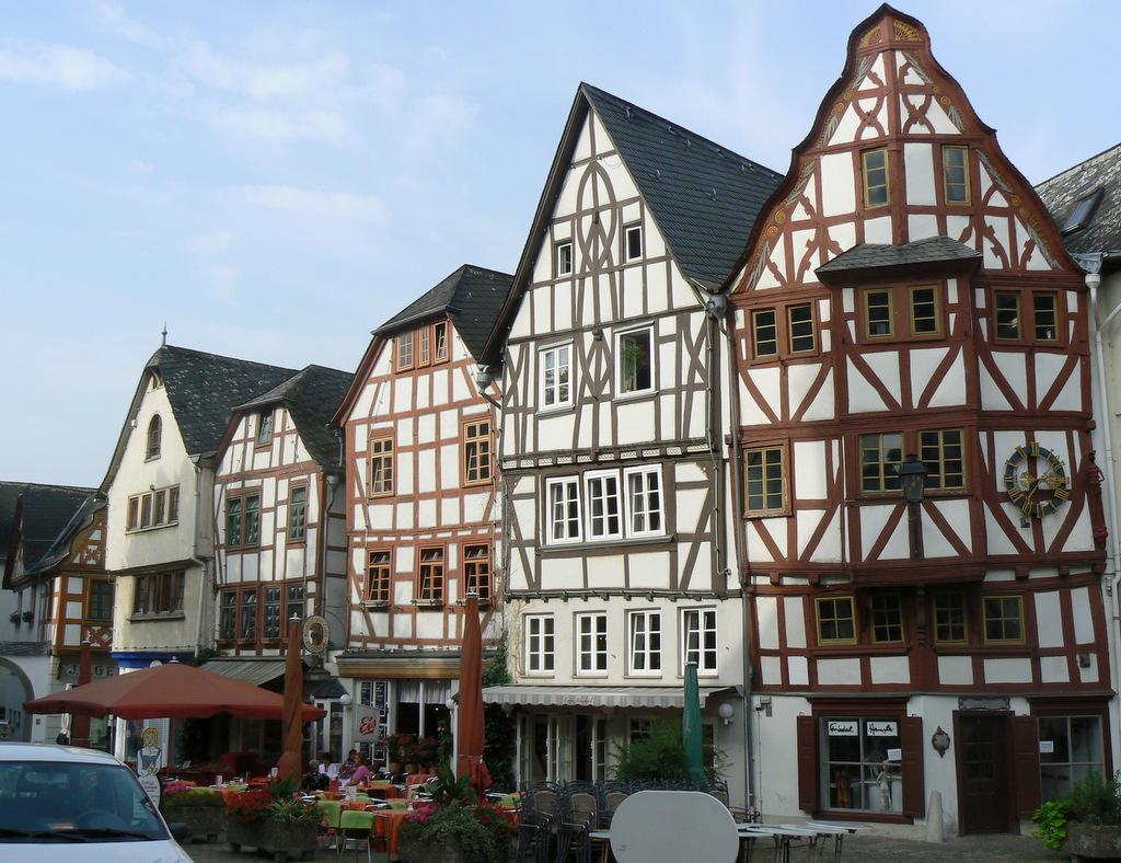 Limburg fachwerk bischofsplatz a wir setzen unseren for 3d fachwerk