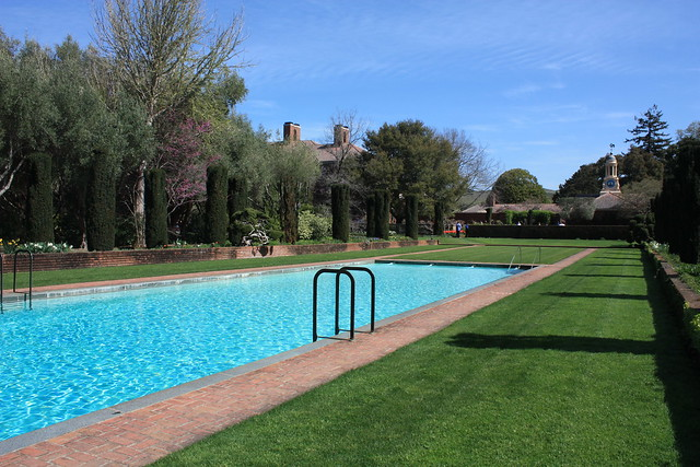 Swimming pool filoli historic estate california for Filoli garden pool