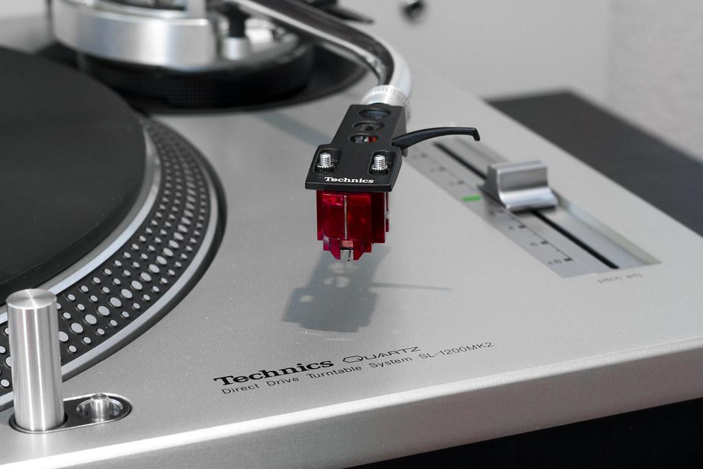 Denon Dl 110 On A Technics Sl 1200mk2 Brand New