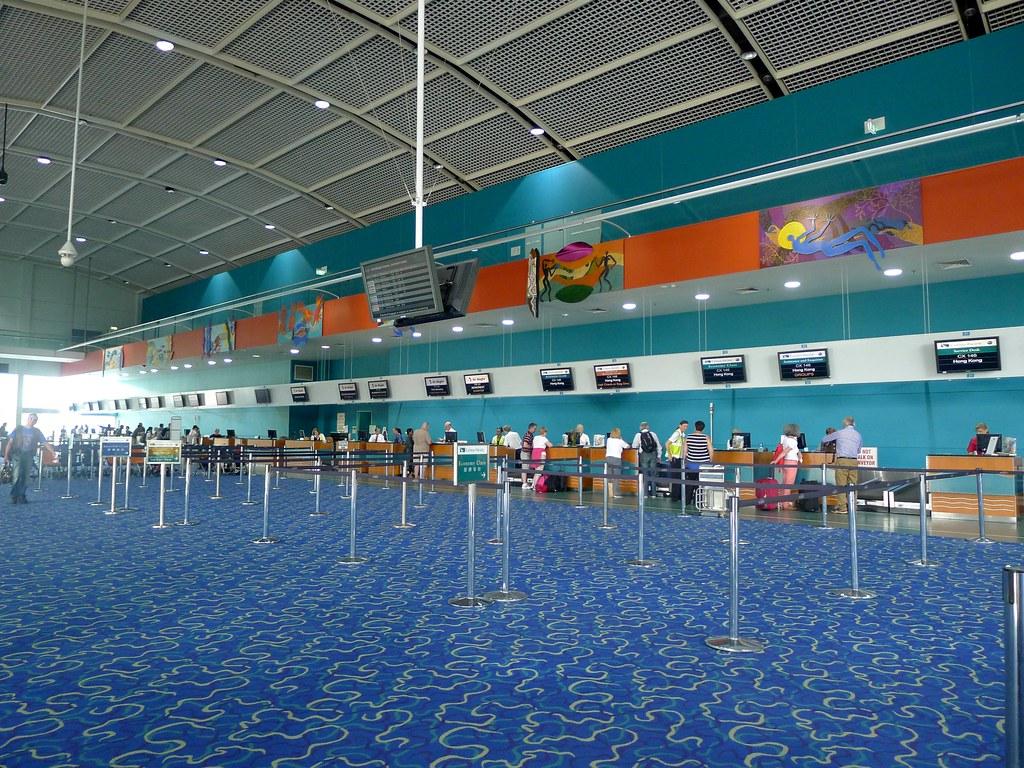 Cairns Airport (ケアンズ国際...