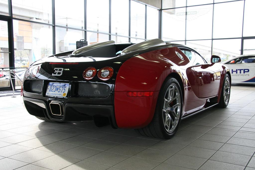 Bugatti Veyron Aston Martin Vanquish At Aston Martin Was Flickr - Aston martin washington dc