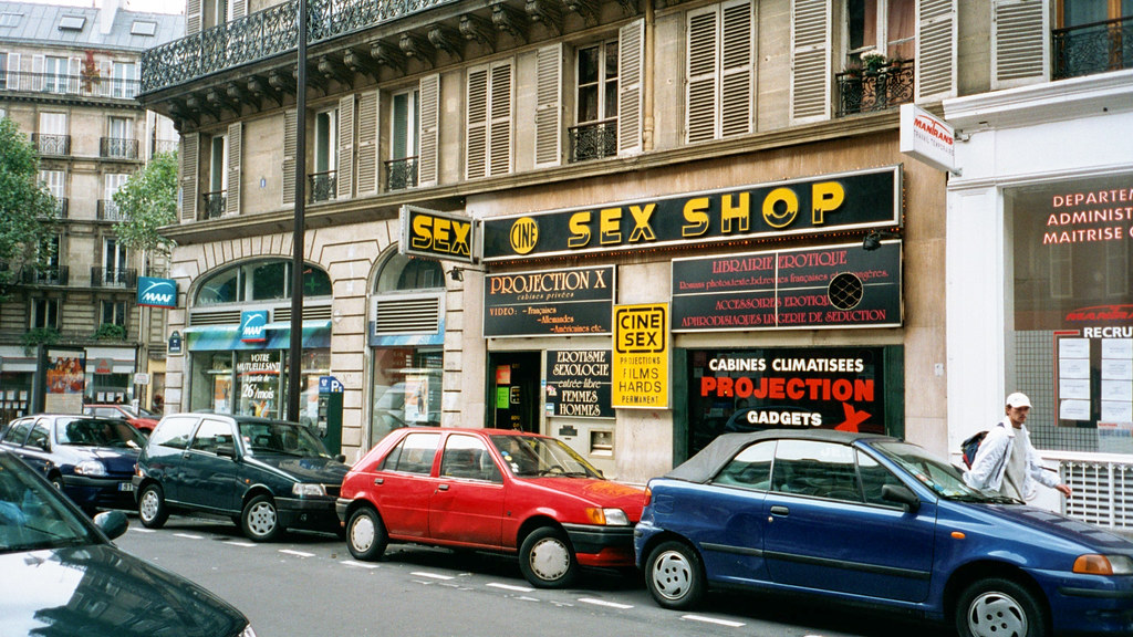 RENCONTRE GAY AU SEXSHOP PARIS