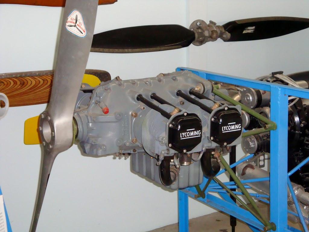 C Cc B on Horizontally Opposed 4 Cylinder Engine