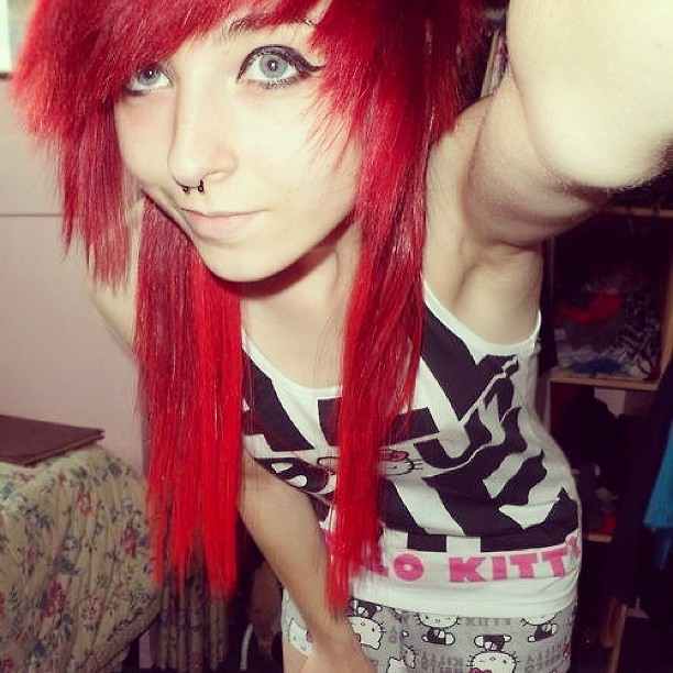 #emo #girl #pretty #hair #cute #eyes #red #nice #look #bea ...