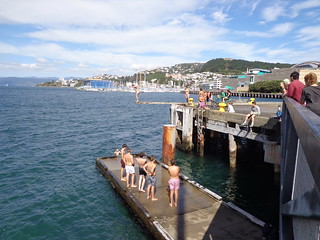 wellington-pier-diving-kids | by Mooiness