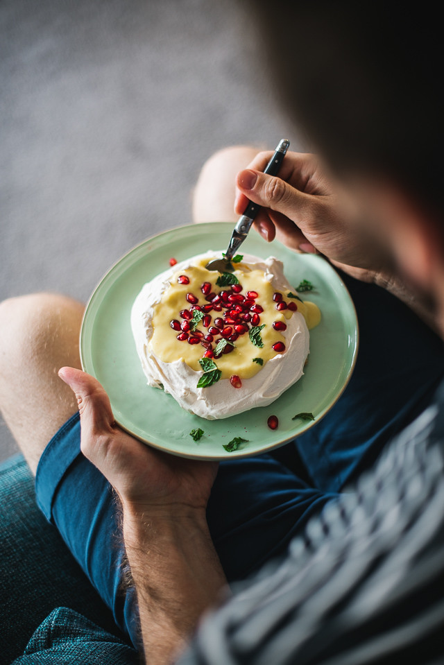 Daylight Savings Pavlova